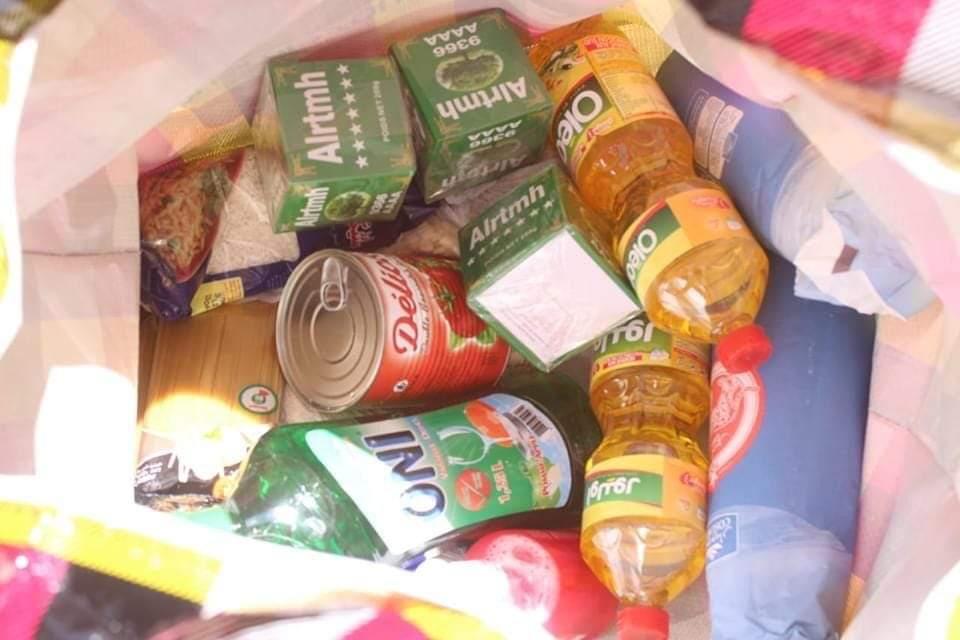 توزيع 200 حصة من المساعدات الغذائية والمواد الأولية الضرورية لساكنة جماعة الحكونية،