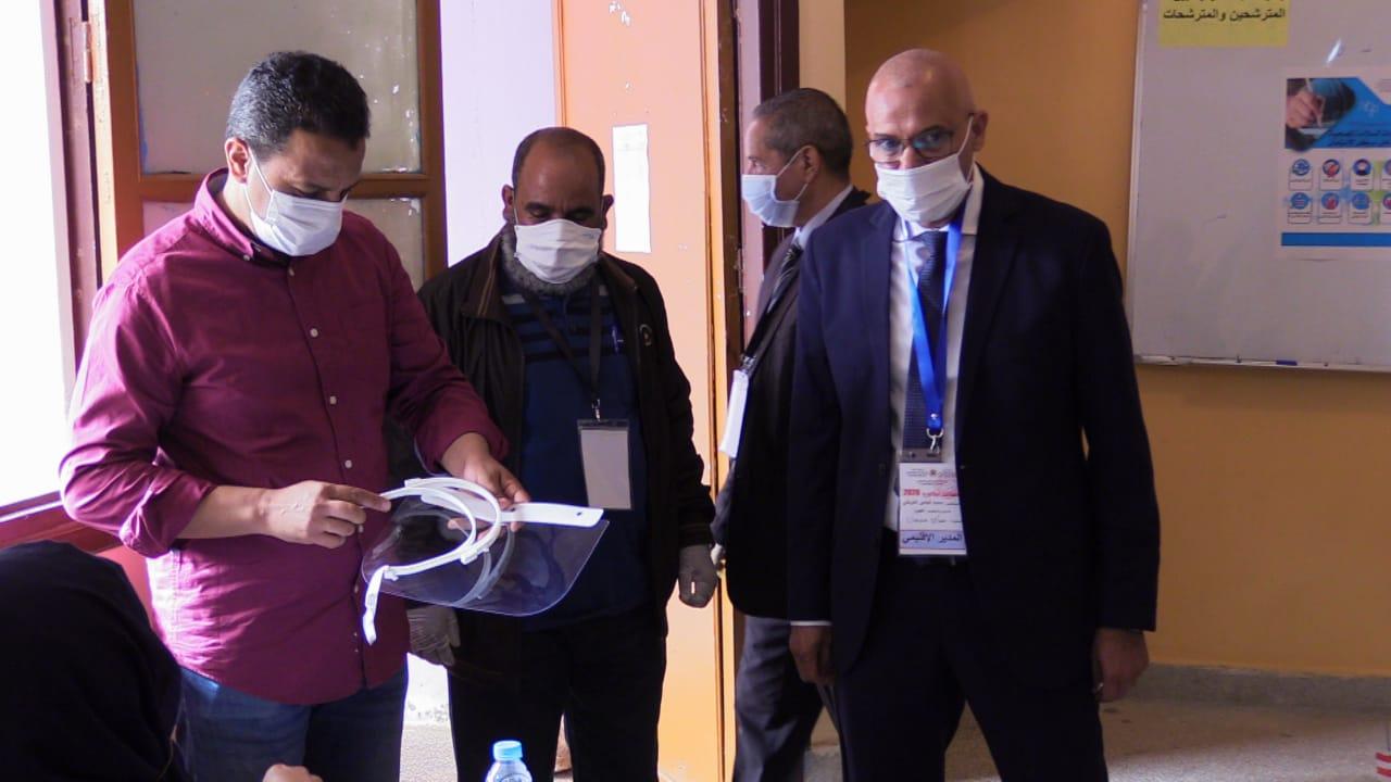 العيون:المدير الإقليمي للتعليم السيد محمد البشير التوبالي يشرف على إنطلاق إمتحان الباكالوريا الجهوي الاحرار الدورة العادية2020