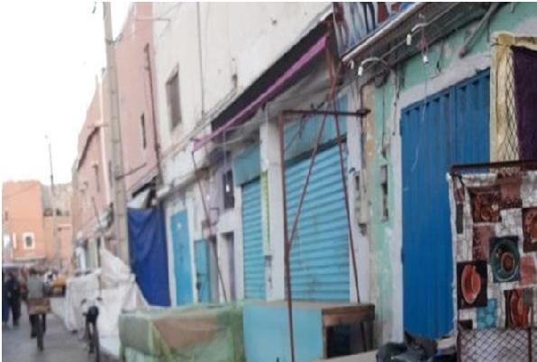 تجار أكبر سوق تجاري بالعيون يضربون عن العمل احتجاجا على حملة تحرير الملك العمومي