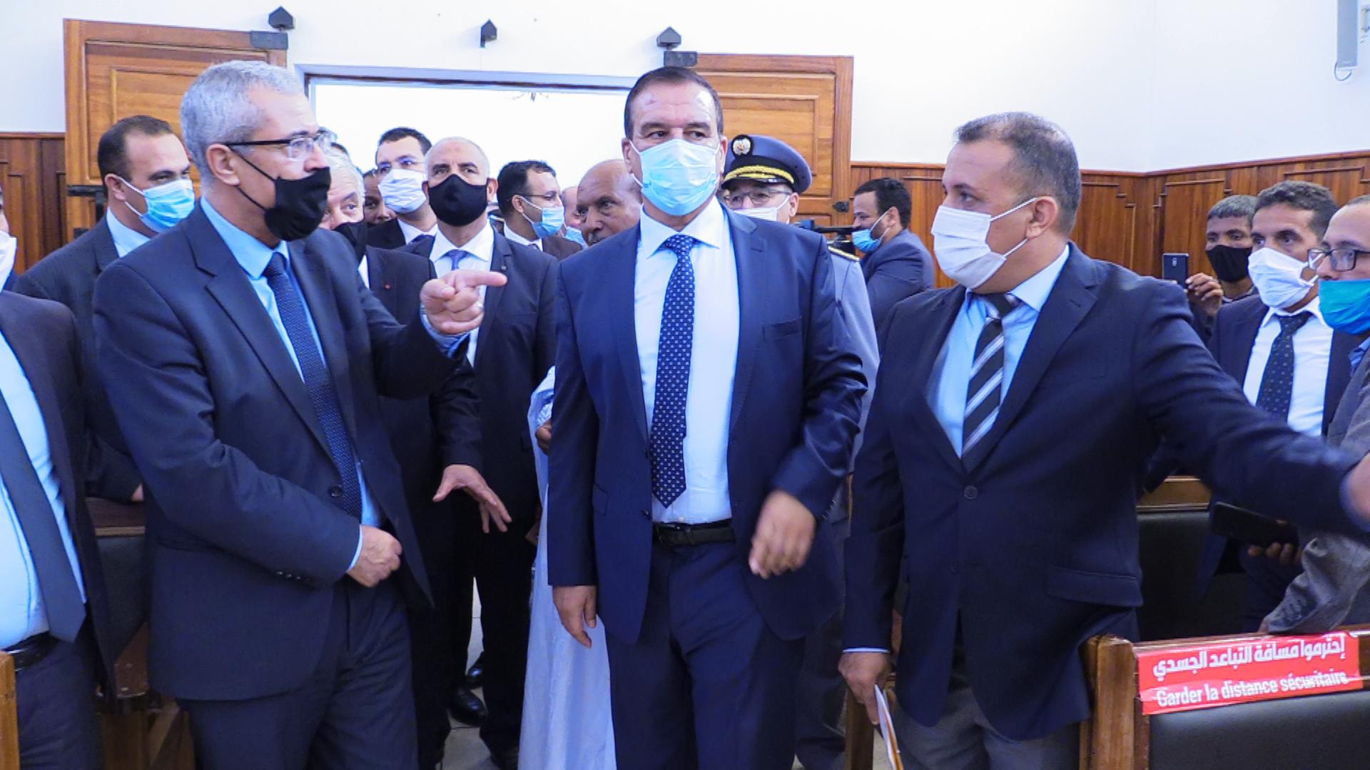 بوجدور:زيارة السيد وزير العدل والسيد عامل اقليم بوجدور للمركز القضائي ببوجدور