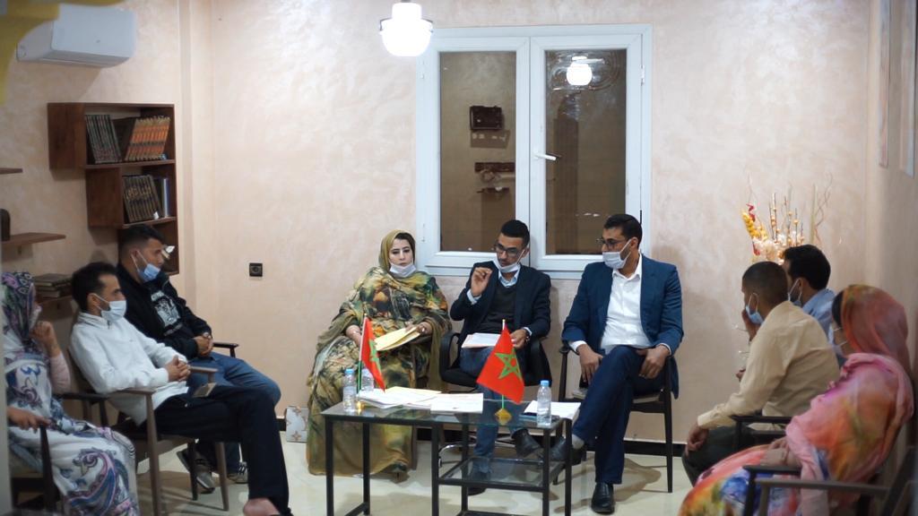 منتمو الحزب المغربي الحر بالعيون يطالبون برحيل إسحاق شارية