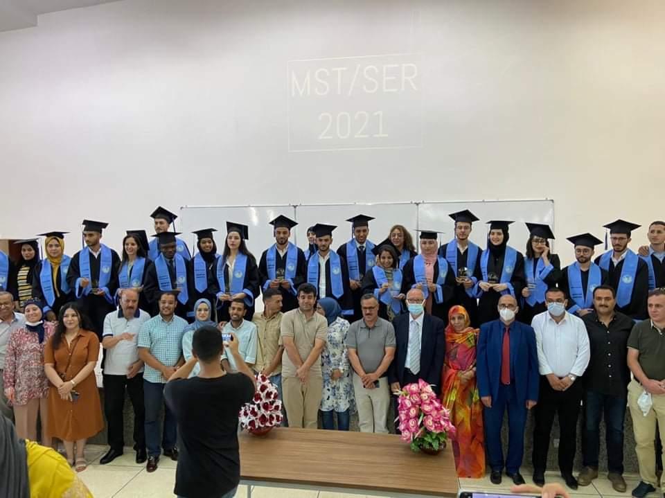 الدفعة الثالثة تضم 25طالب وطالبة يتخرجون من شعبة ماستر الأنظمة المدمجة والربوتوهات بكلية العلوم والتقنيات بالحسيمة