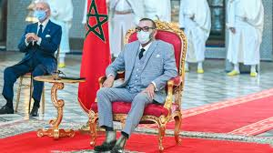 """الملك محمد السادس يترأس حفل توقيع اتفاقيات لتصنيع وتعبئة لقاح """"كورونا"""